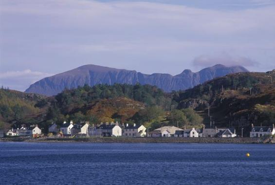 Lochinver (photo credit: VisitScotland / Paul Tomkins)